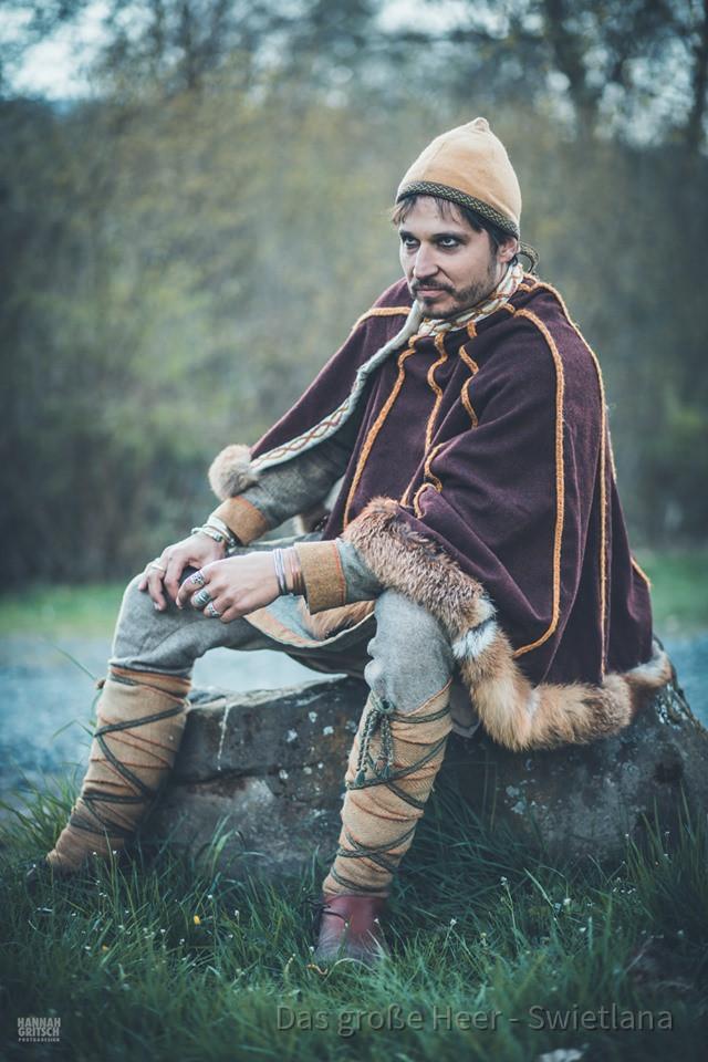 Jarl / Hersir / wohlgestellter Mann mit mürrischem Gesicht