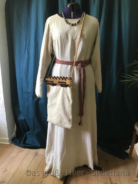 Unterkleid aus Leinen